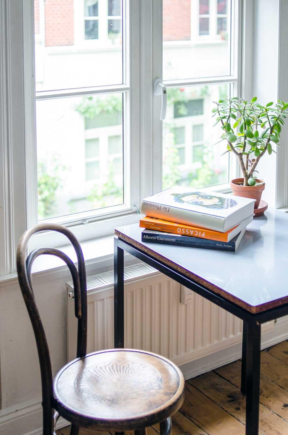 Arbeitszimmer Homestory Diana Laube. Thonet Kaffeehausstuhl. hamburgvoninnen.de