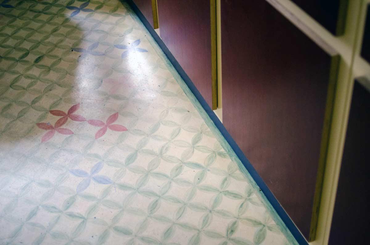 Bodenmalerei, Bodenornament, hamburgvoninnen.de, Charlotte Crome Wandfirma, farbenfrohe Küche
